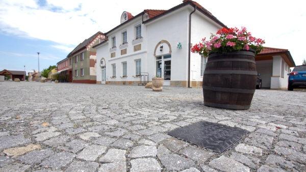 ŠACHTA MODULO – nejpoužívanější šachta pro rodinné domy   HUTIRA